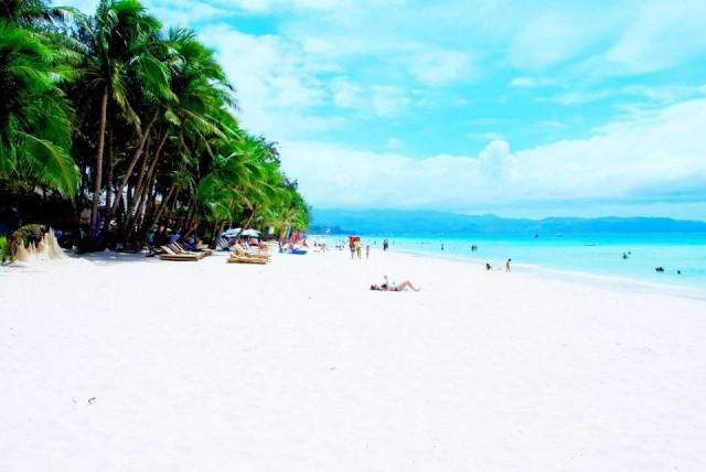 Dünyanın en büyük seyahat platformlarından biri olan TripAdvisor, binlerce kullanıcısının oylarıyla dünyadaki en iyi 25 plajı seçti. Birbirinden güzel plajların yer aldığı listede Türkiye'den de bir plaj yer alıyor. İşte dünyanın en iyi 25 plajı...  25- WHITE BEACH (BEYAZ KUMSAL) - BORAÇAY / FİLİPİNLER
