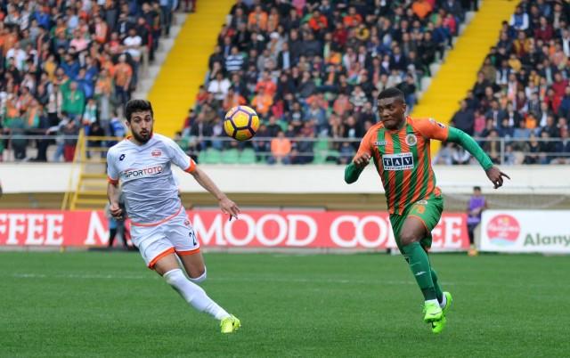 74. dakikada sol kanattan Berkan'ın ortasında arka direkte topla buluşan Fernandes, meşin yuvarlağı ağlara yolladı. 3-1