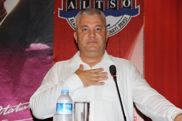 Sevenleri tarafından alkışlarla karşılanan ALTSO Başkanı Mehmet Şahin, kendisine kurulan dijital kumpası anlattı.
