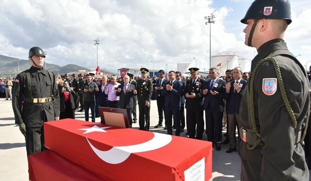 Diyarbakır'ın Dicle ilçesinde teröristler tarafından yola tuzaklanan el yapımı patlayıcının infilak etmesi sonucu şehit olan Gazipaşalı Jandarma Uzman Çavuş Fatih Uysal'ın naaşı Gazipaşa'ya getirildi.