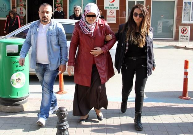 Alanya'da Fetullahçı Terör Örgütü/Paralel Devlet Yapılanmasına (FETÖ/PDY) yönelik yürütülen soruşturma kapsamında düzenlenen operasyonda 2'si kadın 5 kişi gözaltına alındı.