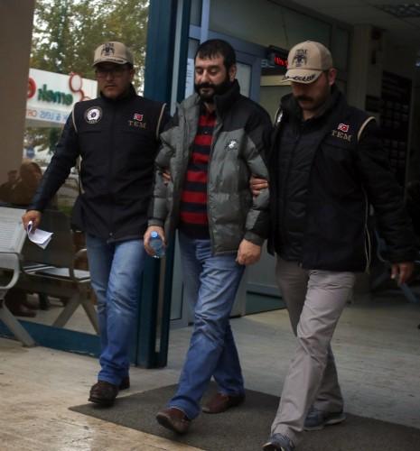 7 Eylül 2012'de Alanya Kaymakamlığına atanan Özdemir bu görevini 23 Eylül 2014 tarihine kadar sürdürdü. Bu tarihte İzmir Vali Yardımcılığı görevine atanan Özdemir, mahkeme kararlarıyla Alanya Kaymakamlığı görevine defalarca geri döndü.