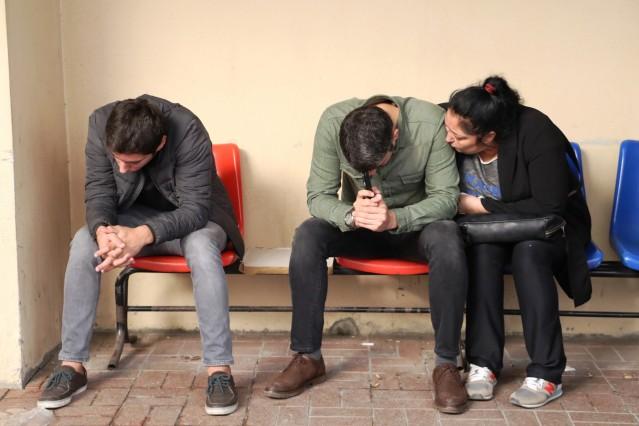 Arif Razgatlıoğlu'nun naaşını ise oğulları Tümay ve Toprak teslim aldı. Toprak Razgatlıoğlu, morgda gözyaşlarını tutamadı. Milli motosikletçi Kenan Sofuoğlu da ailenin yanında bulundu.