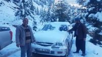 Karda mahsur kalanları belediye böyle kurtardı