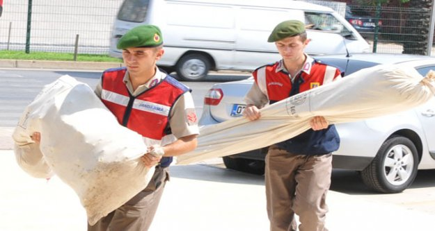 JANDARMA ADLİYEYE ESRARI ÇUVALLA GETİRDİ