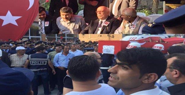 'ŞEHİT CENAZESİNDE DEĞİL SANKİ FUTBOL MAÇINDA'