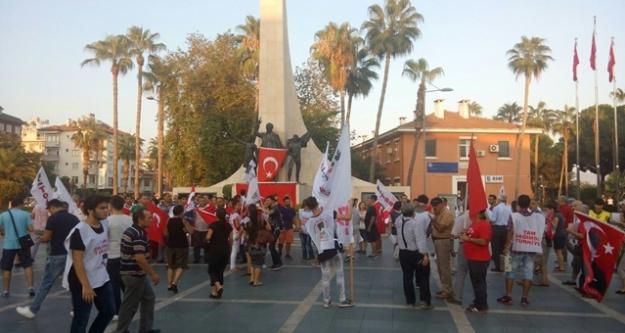 'TÜRK KÜRT KARDEŞTİR, PKK KALLEŞTİR'