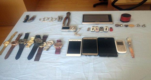 Hırsızlık yapan 3 kişi Mersin'de yakalandı