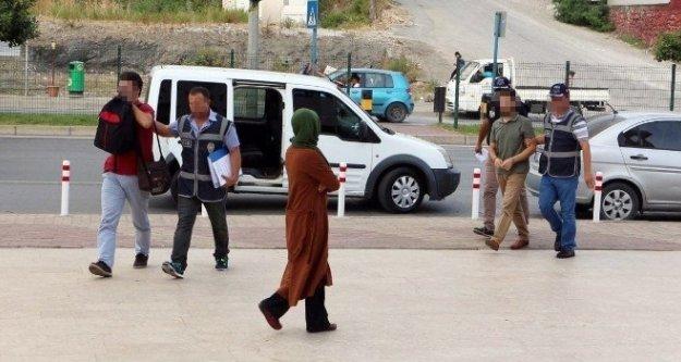 Alanya'da FETÖ'den alınan 2 öğretmen Adliye'de