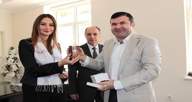 Azeri Vekilden Tanrıseven'e ziyaret
