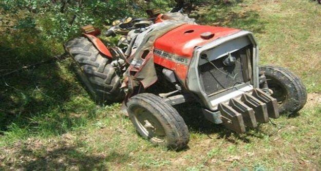 Babasına ait traktörün altında kaldı