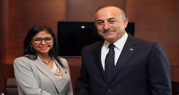 Çavuşoğlu, Venezuela Dışişleri Bakanı  ile bir araya geldi