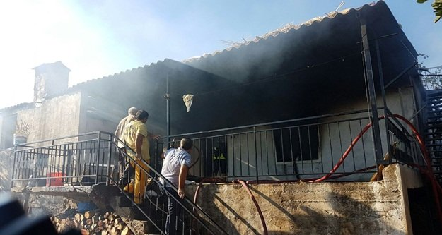 Ev yangınında büyük hasar