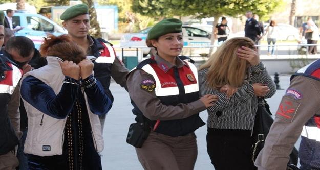 Fuhuş operasyonu: 2'si kadın 9 gözaltı, 30 sınırdışı