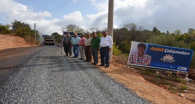 Genişletilen grup yolunda asfalt çalışması başlattı