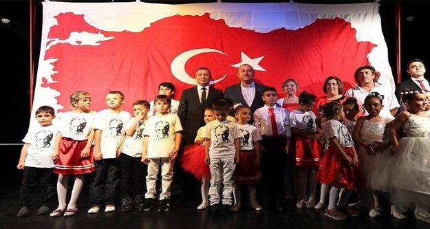 İlmek ilmek Ayyıldızlı Türkiye yaptılar