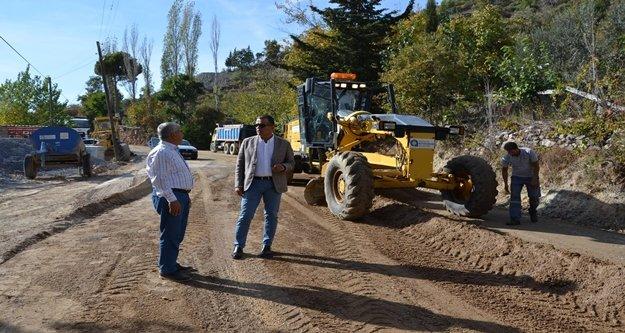 Akçatı yolu asfalta hazırlanıyor
