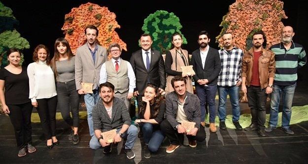 Alanya Belediye Tiyatrosu'na 4 ödül