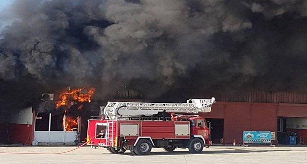 Alanya'da korkutan çifte yangın