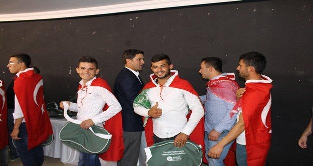 Asker adaylarına ihtiyaç çantası desteği