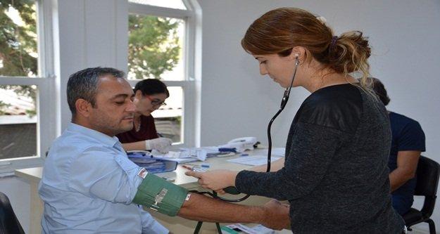 Büyükşehir personeli sağlık taramasından geçirildi