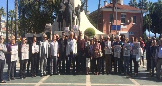 CHP'den 'Cumhuriyet' protestosu