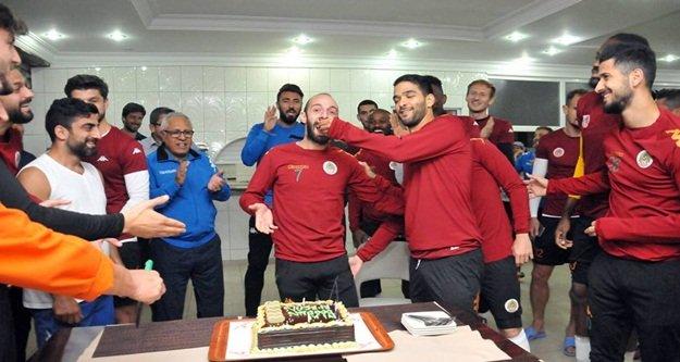 Efecan'a sürpriz doğum günü