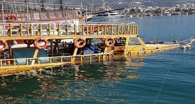 Gezi teknesinde batma paniği