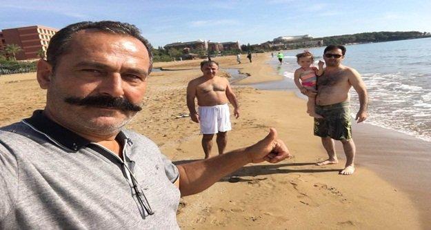 Kimse boğulmasın diye plajda nöbet tutuyor