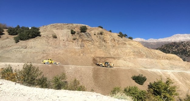 Kumluca Dereköy yolu asfalta hazırlanıyor
