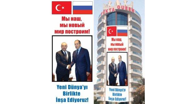 Lavrov'u bu afişle karşılayacağız