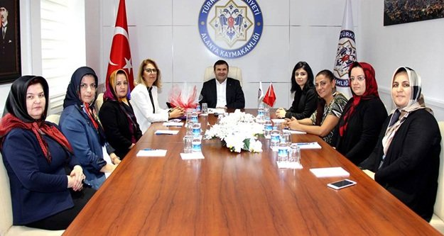MHP'li kadınlardan Tanrıseven'e ziyaret