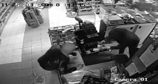 Yüzsüz hırsızlar kameraya yakalandı