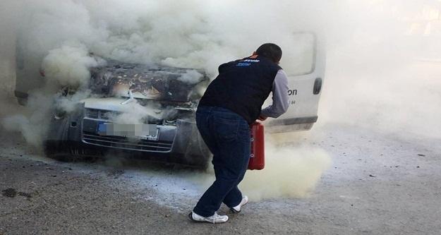 Alanya'da otomobiller ateşe verildi