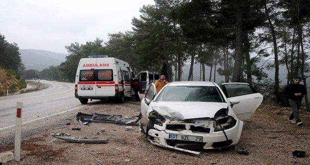 iki ayrı trafik kazası: 1'si ağır 6 yaralı