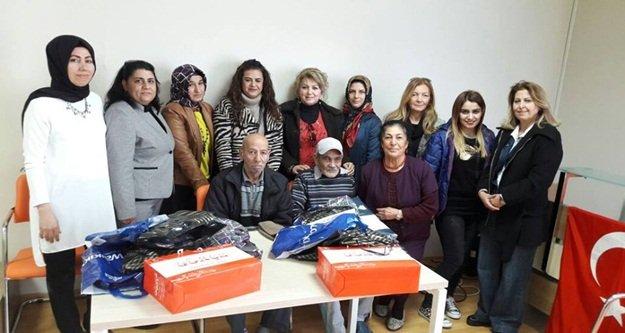 MHP'li kadınlardan anlamlı kutlama