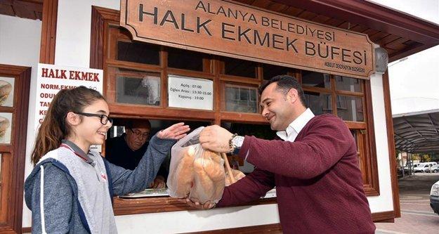 Belediye ekmek büfelerini yeniledi