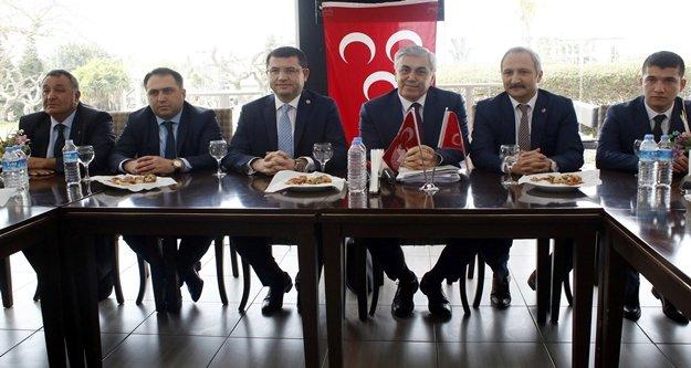 MHP Antalya'da anayasayı anlattı