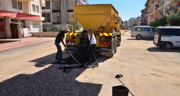Yollar çöktü belediye işbaşı yaptı