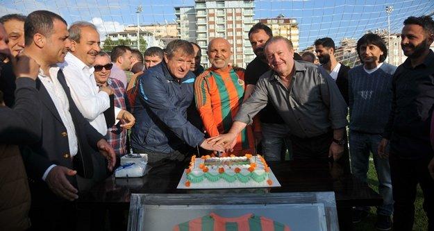 Başkan Çavuşoğlu'na doğum günü sürprizi
