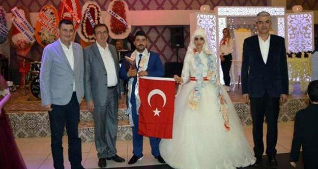 MHP'yi buluşturan düğün