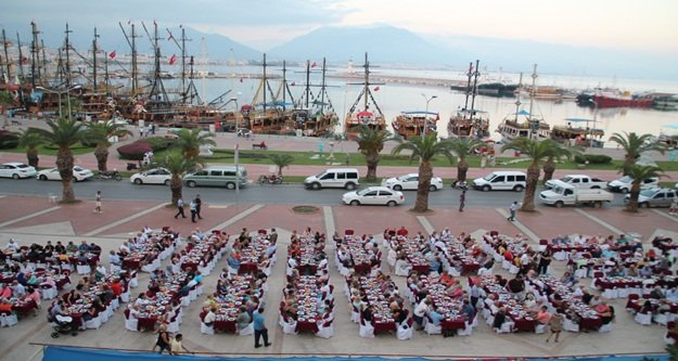 Alanya'dan Dünyaya örnek iftar