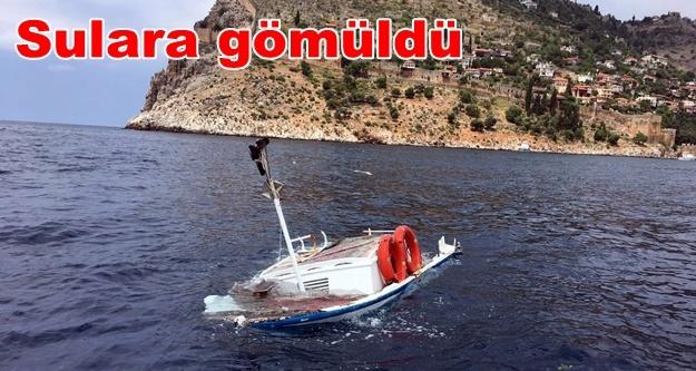 Alanya'da özel tekne, tur teknesiyle çarpıştı