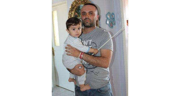 Evde kilitli kalan 11 aylık bebeği itfaiye kurtardı