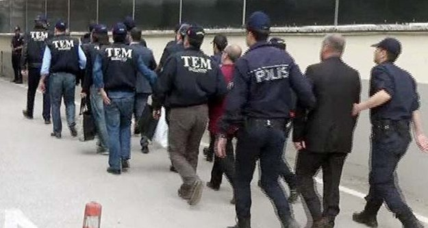 FETÖ'den bin 642 kişi tutuklandı