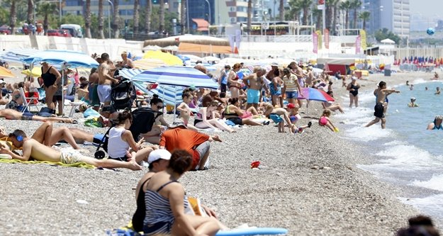 Ramazan'a rağmen plajlar doldu taştı