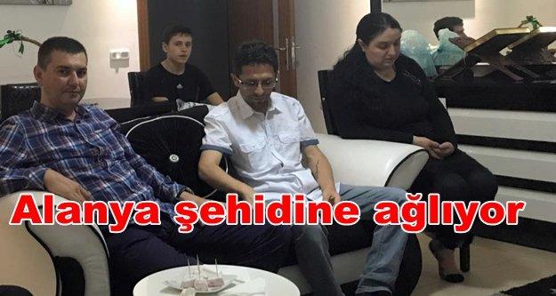 Türkdoğan'dan şehit kardeşine ziyaret