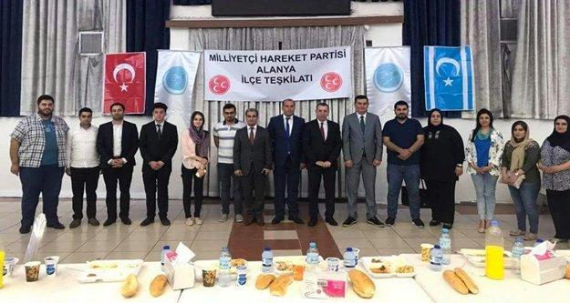 Türkdoğan Irak'ta Türkmenlerle buluştu