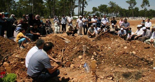 Yanarak hayatını kaybeden genç kadın toprağa verildi
