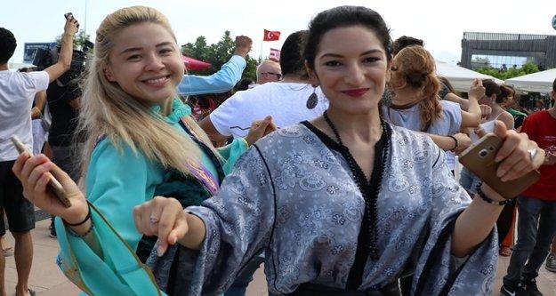 40 ülkeden 105 yabancı öğrenci 'Ankara'nın Bağları' ile coştu